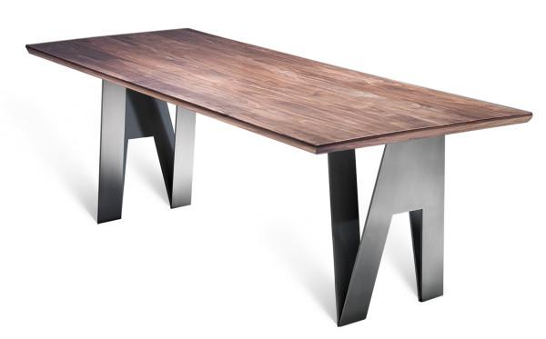 SR V Tisch