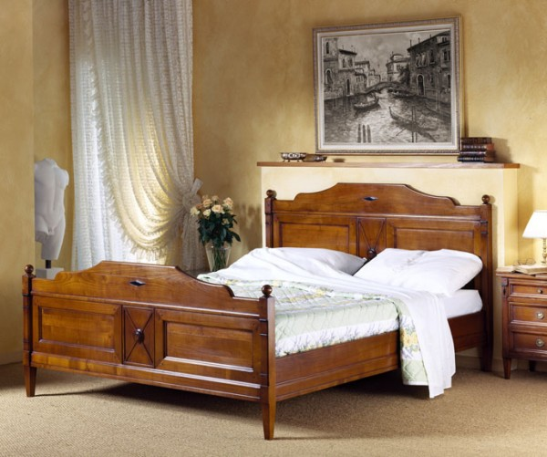 Bett mit Fussende
