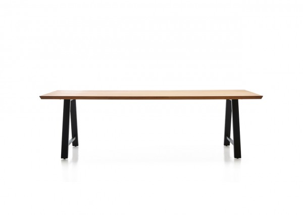 MATTEO Dining Table